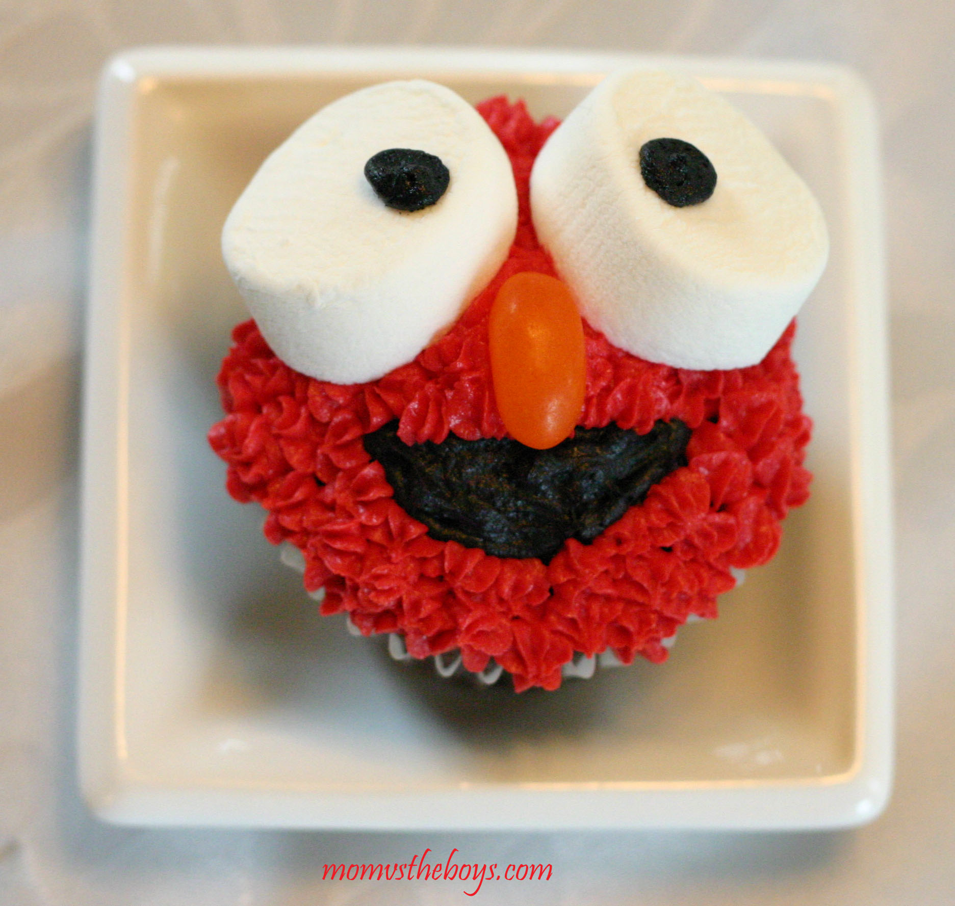 Elmo Cupcakes. Elmo Cupcakes   Mom vs the Boys