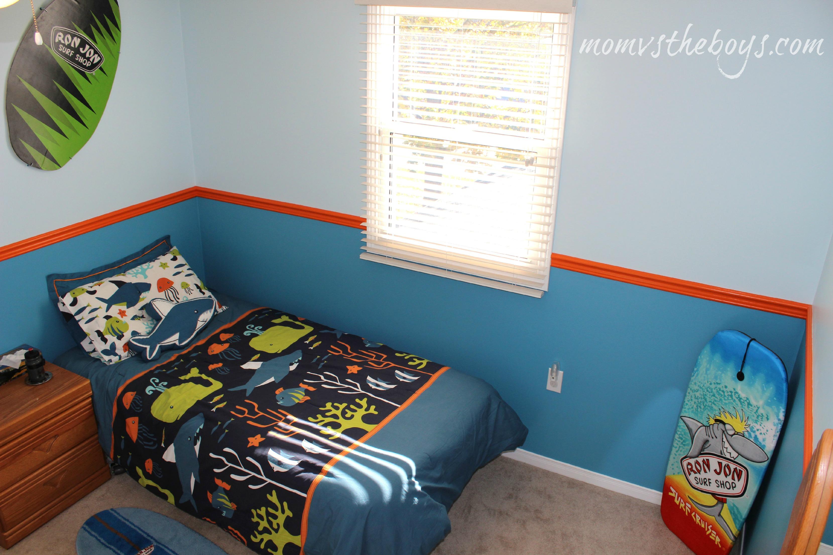 Cute surf bedroom
