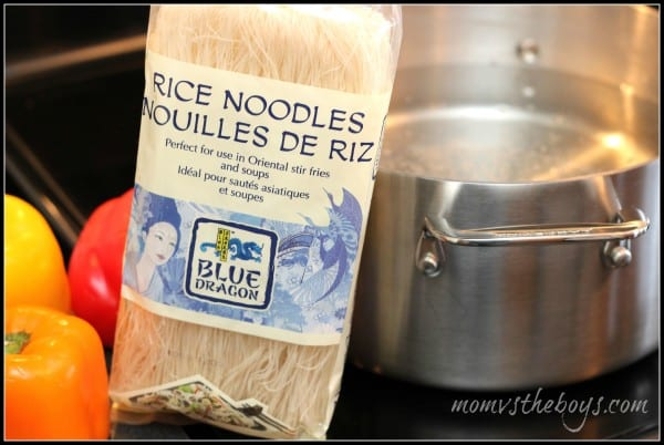 blue dragon rice noodle package