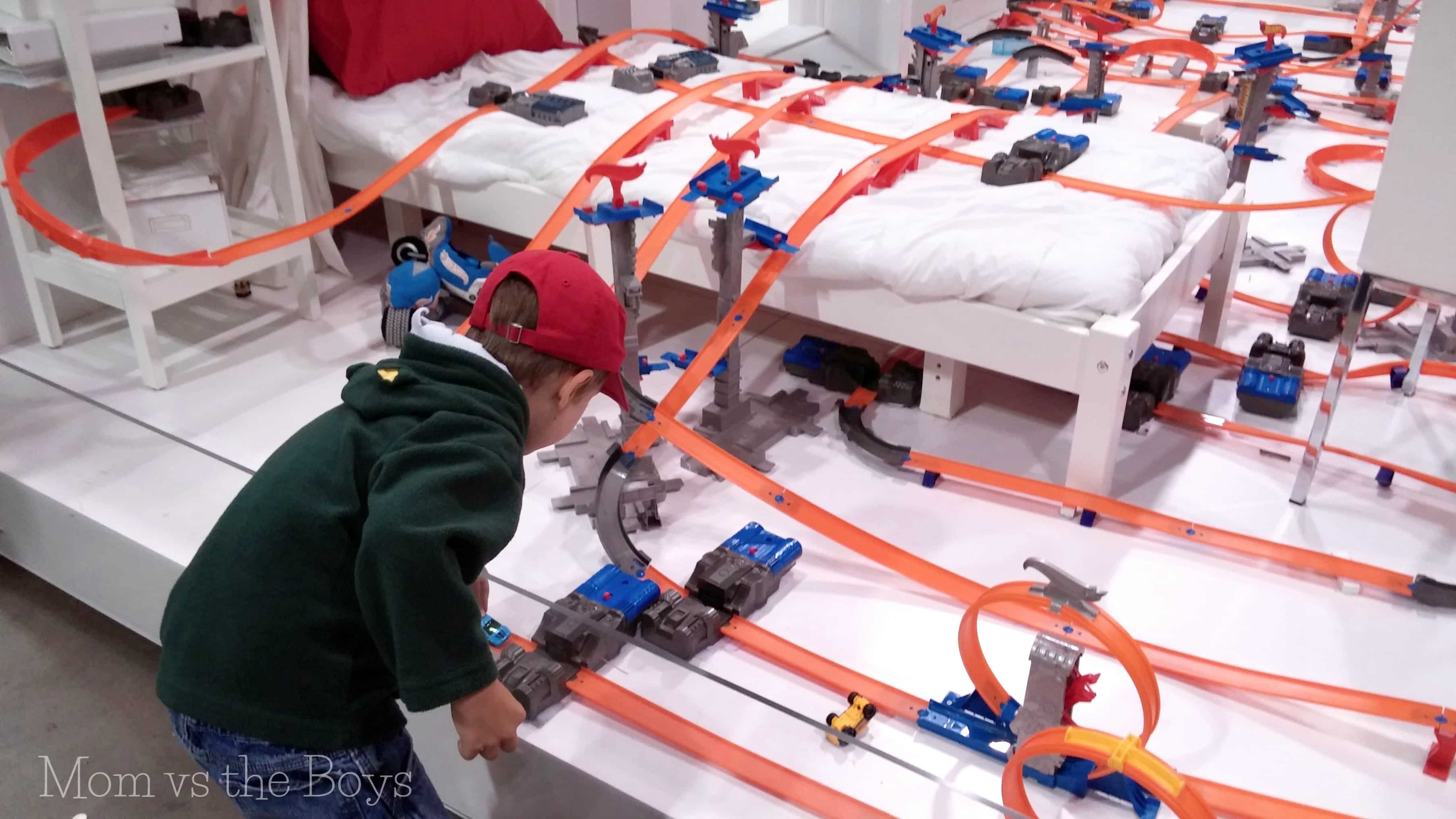 Kids Bedroom Ideas For Boys Heading To The Cne Check Out The Hot Wheels 174 Track