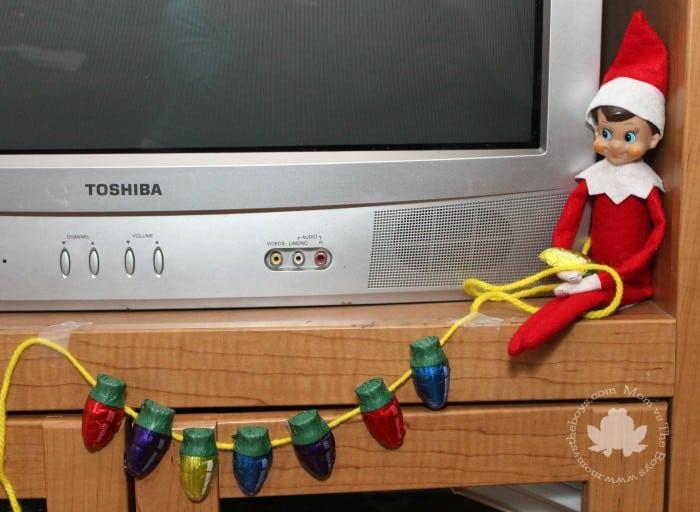 Elf on the Shelf ideas - Mom vs the Boys