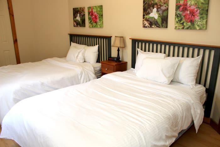 bedroom 700