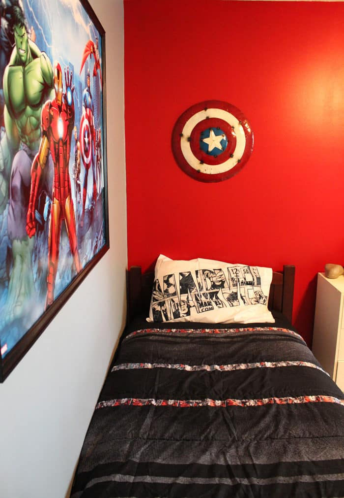 Marvel Avengers Bedroom - Mom vs the Boys
