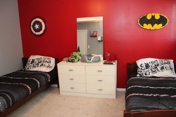 Avengers Super Hero Bedroom - Mom vs the Boys