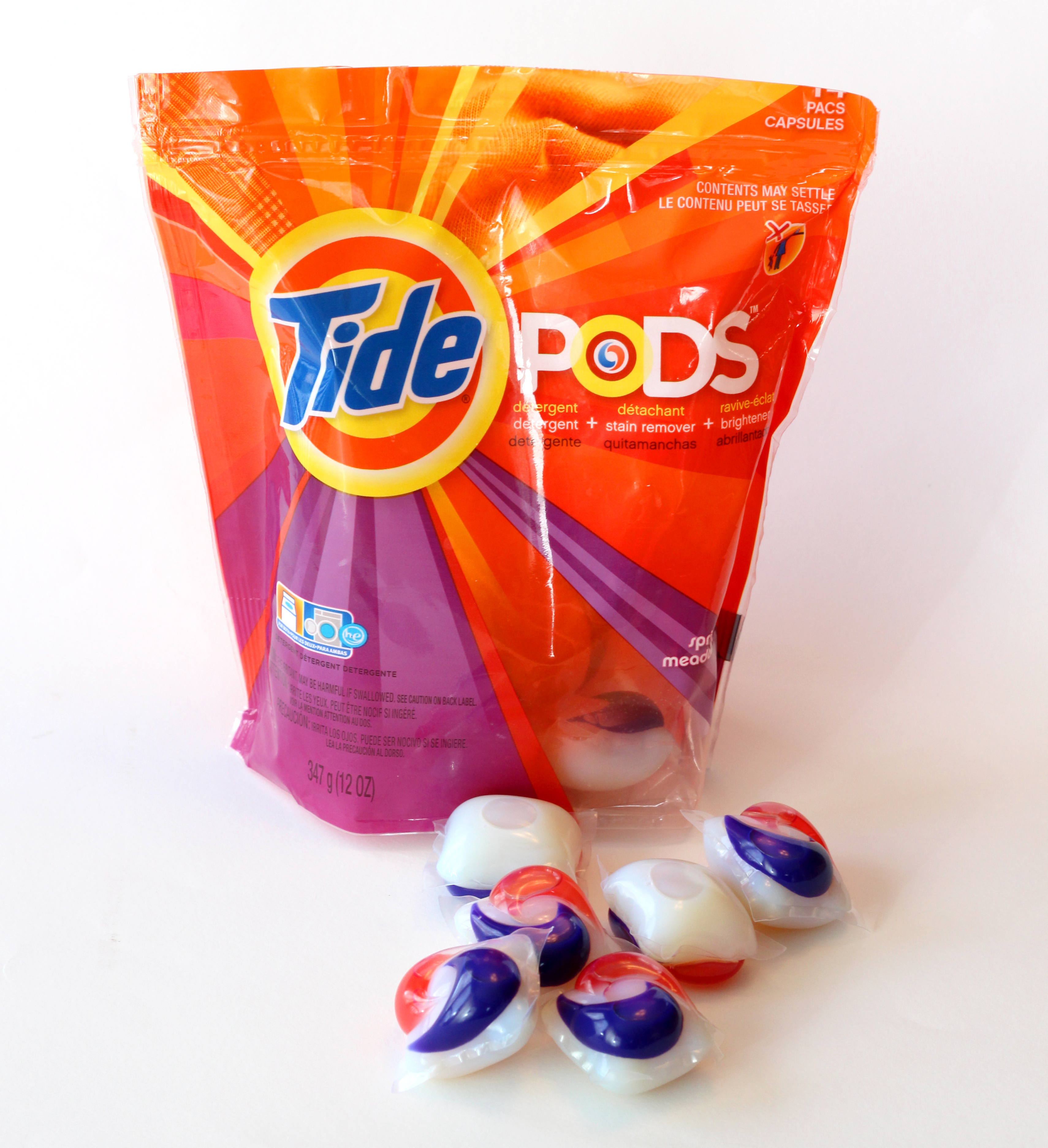 Mar 09,  · I haven't flown with Tide Pods, but I have flown with Dropps packs. I used a sample pack, with three Dropps inside. The package was a ziptop bag, which I double-bagged in a ziplock. Then that went in the bag, into my carryon.