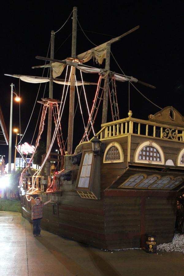 pirate's adventure dinner theater