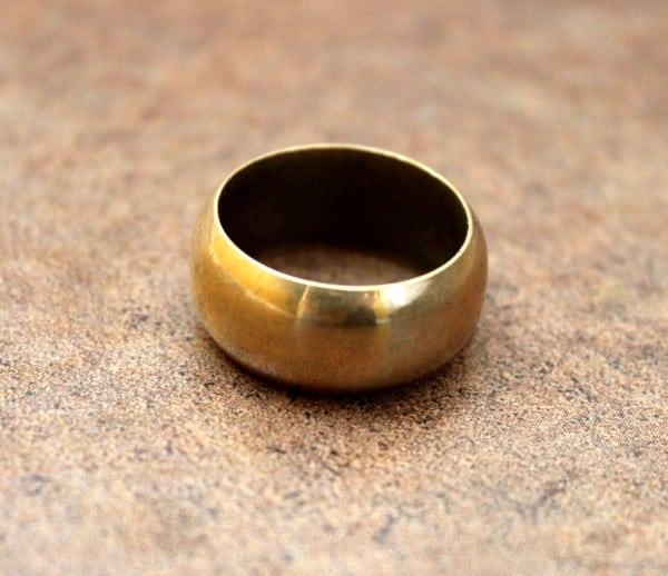 Paris gold ring scam
