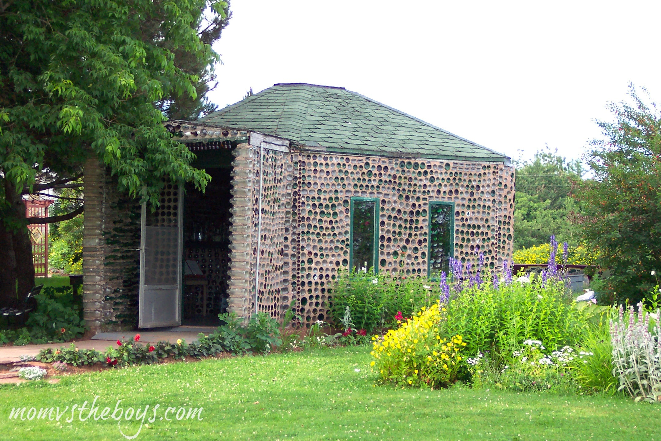 The glass bottle houses of prince edward island mom vs for Pei home builders