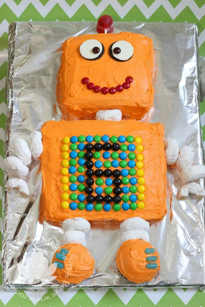 Robot Cake For A Robot Themed Birthday Party Mom Vs The Boys