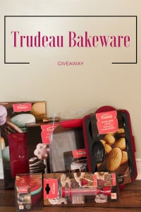 Holiday Bakeware from Trudeau {Giveaway}