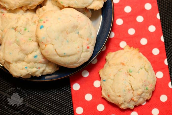 cake mix cookies - mom vs the boys