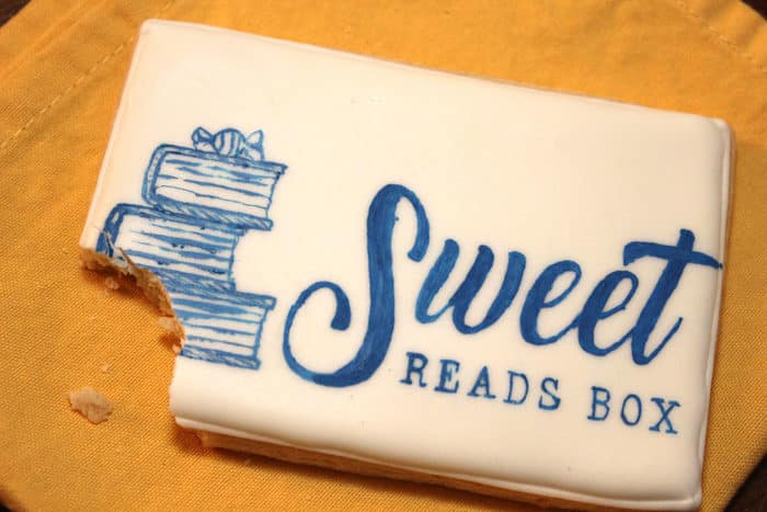 Sweet Reads Box cookie